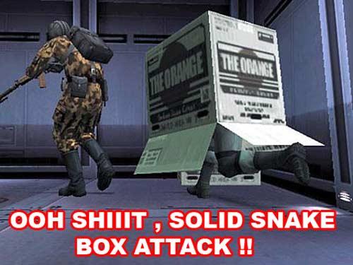Solid Snake dans une boite